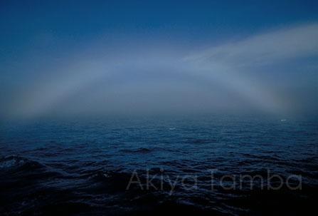 南極の虹.jpg